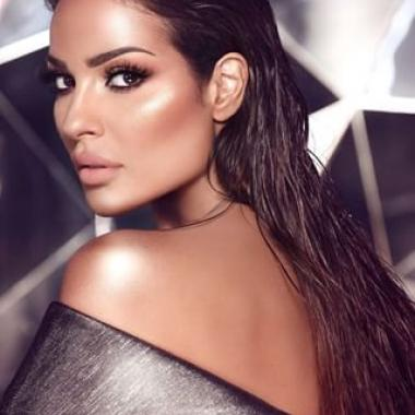 نادين نسيب نجيم حورية ذهبية في دبي!