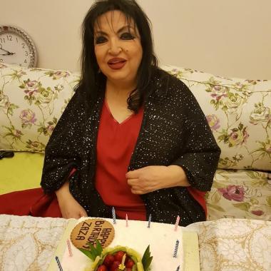 بالصور: احتفال عائلي مميز بعيد ميلاد سميرة توفيق