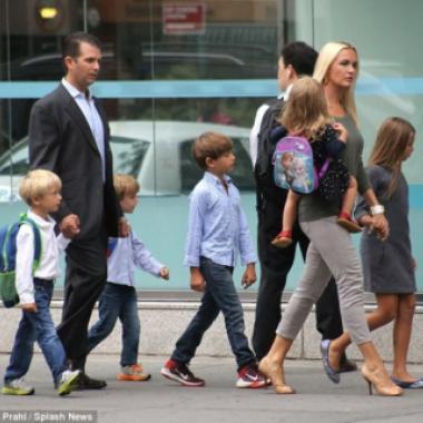 زوجة دونالد ترامب جونيور طلبت الطلاق