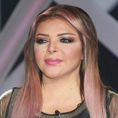 بالفيديو فلة الجزئارية تبكي معلنة اعتزالها الغناء