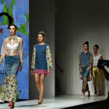 مصممات سعوديات يخطفن الأنظار في أسبوع الموضة بدبي