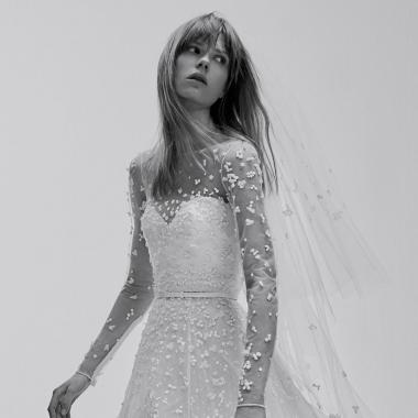 فساتين أعراس ايلي صعب الجديدة تحاكي العروس الشابة