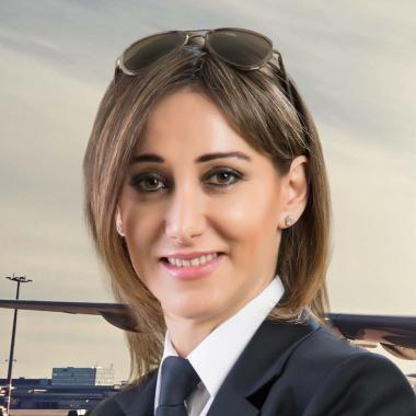 رولا حطيط: كنت الأولى في قيادة الطائرات ولن أكون الأخيرة