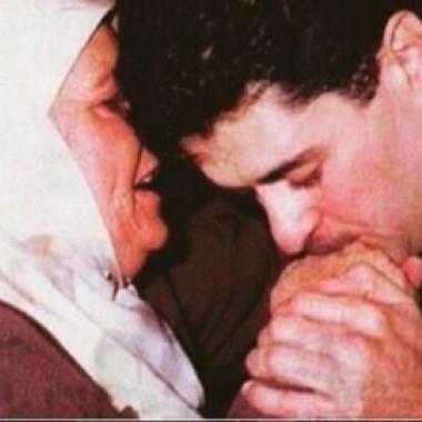 صورة وشوق من راغب علامة إلى والدته في ذكراها