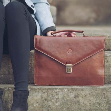 هل تنظّفين حقيبة يدك؟