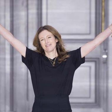 كلير واي كيلر المديرة الإبداعية الجديدة لدار Givenchy