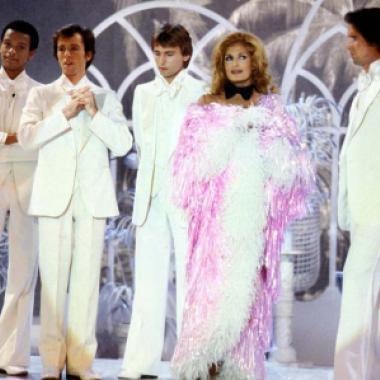 """معرض باريسي لملابس أيقونة موضة الديسكو """"داليدا"""""""