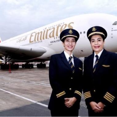 هكذا احتفلت شركة طيران الإمارات بيوم المرأة العالمي 2017