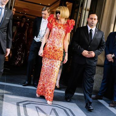 هل فعلاً إمبراطورة مجلة فوغ آنا وينتور مجبرة على تركها؟