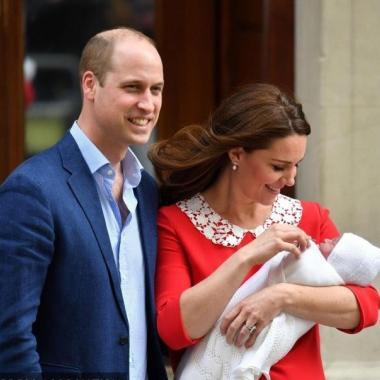 الأمير الصغير يخرج من المستشفى بلا اسم