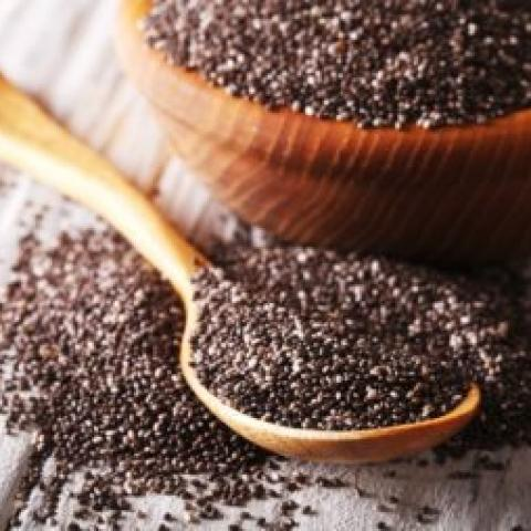 5 أغذية غنية بالبروتينات يمكن استخدامها في عصائر الـsmoothie