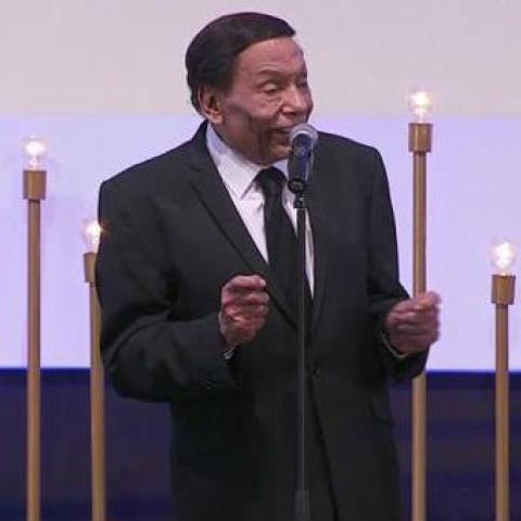 بالفيديو:عادل إمام مكرماً في مهرجان الجونة السينمائي