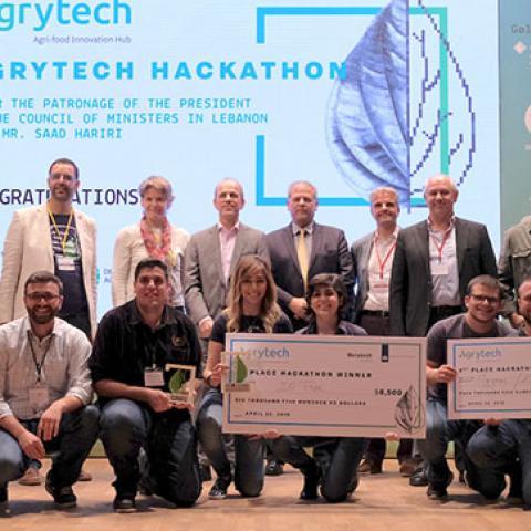 """IO Tree تفوز بمسابقة """"آغريتاك هاكاثون"""" وتبتكر آلة لرصد ذبابة الفاكهة المتوسطية"""