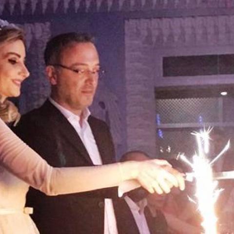 الوسط الغنائي اللبناني يحتفي بزواج الشاعر منير بو عساف