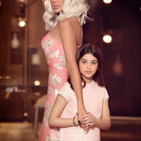 لأول مرة مايا دياب تغني مع ابنتها كاي!