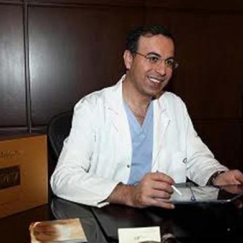 بالفيديو نصائح الدكتور نادر صعب للعناية بالبشرة