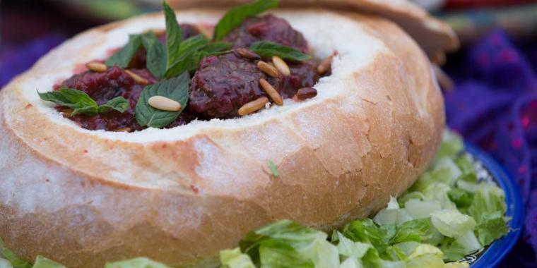 كرات اللحم بصلصة الكرز
