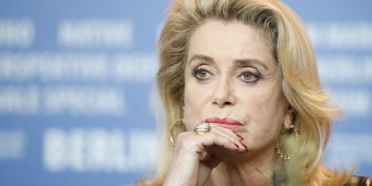 اعتذار كاترين دونوف من ضحايا الاعتداءات الجنسية