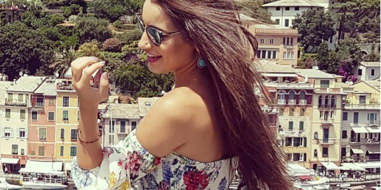 """إيميه الصياح سعيدة مع زوجها في """"بورتو فينو"""""""