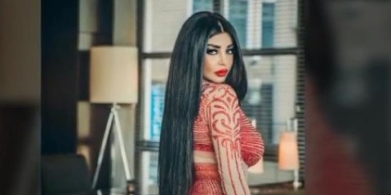 رولا يموت تعرّي صدرها معلنة عن أغنيتها الثانية