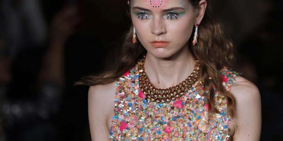 بالصور:مغامرات الماكياج على منصات أسبوع الموضة الباريسي