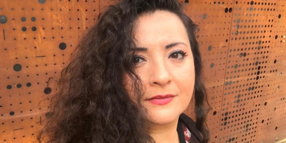 مايا زبيب تلقي رسالة العالم العربي في باريس في يوم المسرح العالمي