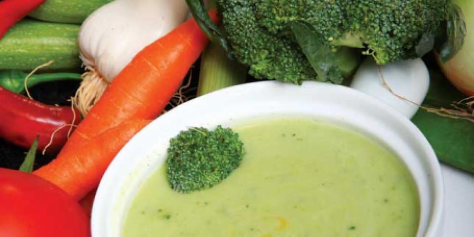 حساء البروكولي