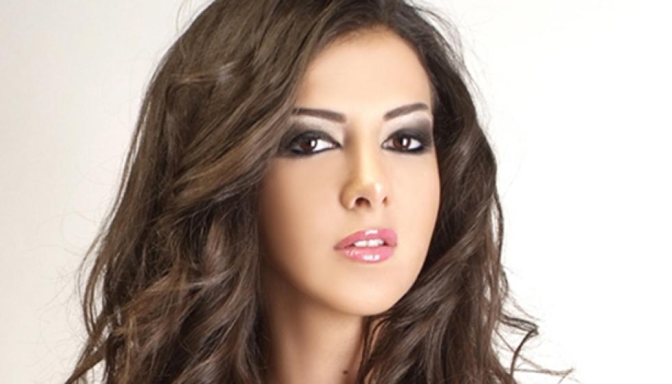 """دنيا سمير غانم تغني """"حكاية واحدة"""""""