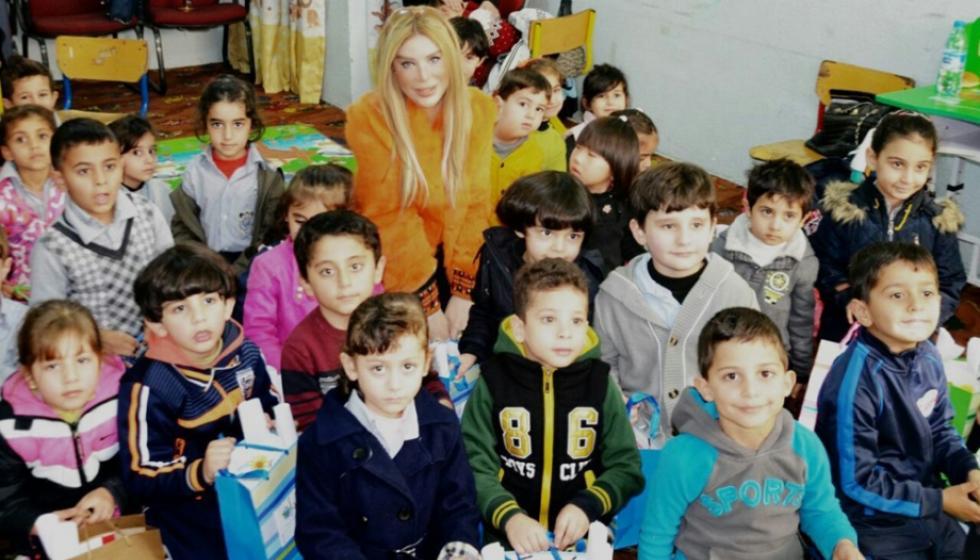 الشاعرة والكاتبة سارة السهيل: توجهت للطفل ليتقبل الآخر!