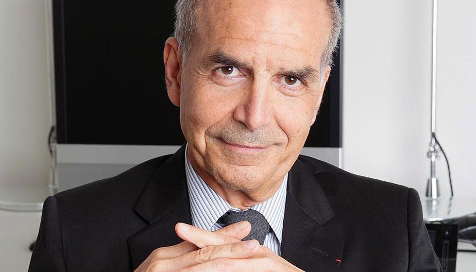 الاتحاد الفرنسي للخياطة يجدد التزامه بالتاريخ التقليدي للعروض
