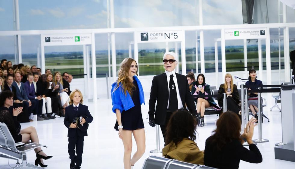 ماذا حصل في كواليس شانيل خلال اسبوع الموضة في باريس؟