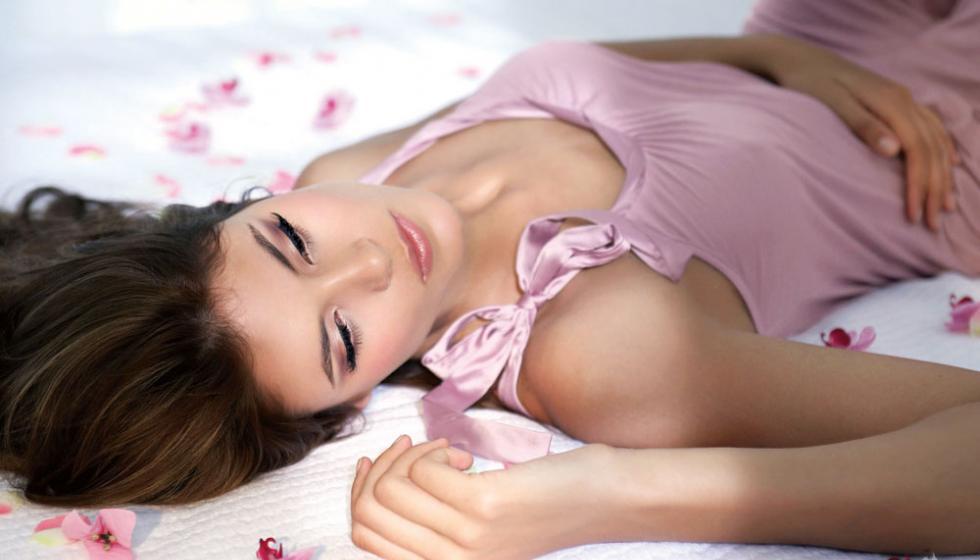 متردّداتٌ في الزواج من جديد وراغبات في تعويض الحرمان