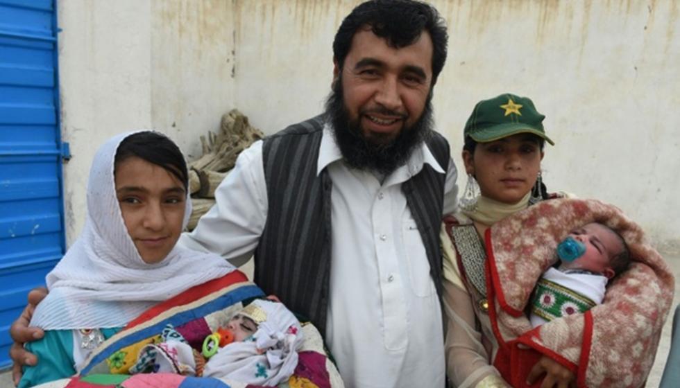 ساردار الباكستاني  أب لـ35 طفلاً وينوي على المئة
