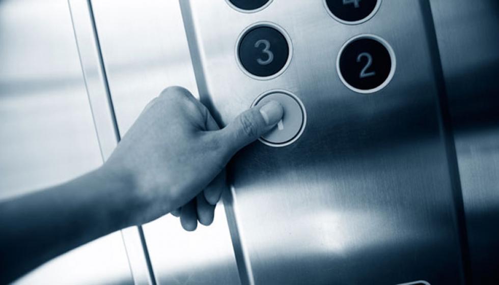 مغامرات في مصعد؟ هكذا تنعش التخيلات روتين السّرير الزوجي!