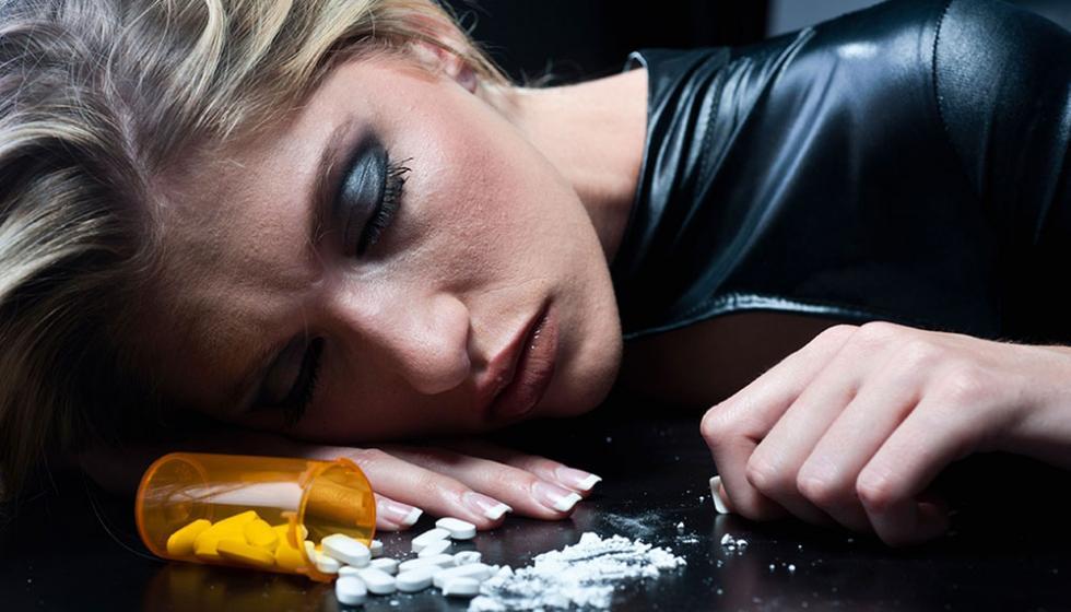 عالم المخدرات: أكثر من 150 نوعاً جديداً وفشـلٌ في العلاج!