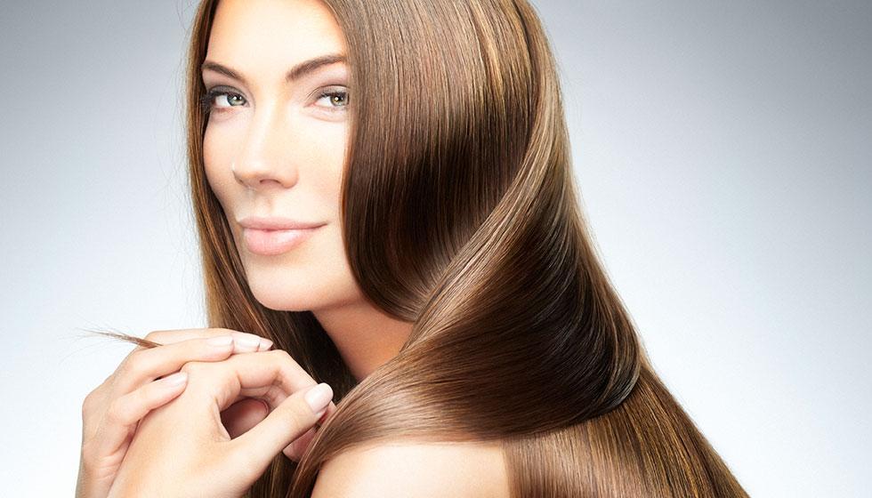 وصفتان لتنعيم شعركِ: قشر الموز والبقدونس