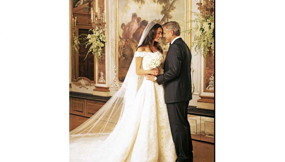 فستان زفاف أمل كلوني يعرض في متحف هيوستن