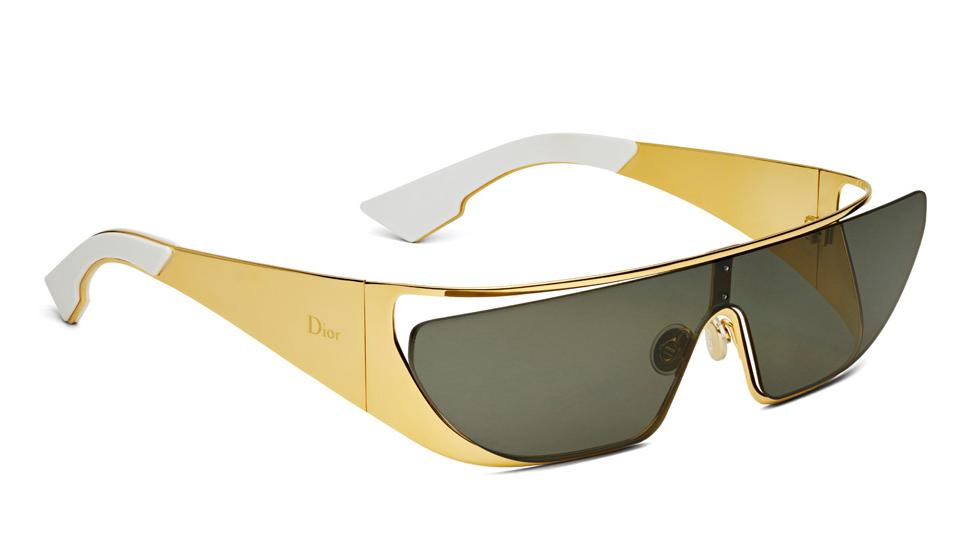 ريهانا نظارات شمسية مستقبلية  الطراز لـDior