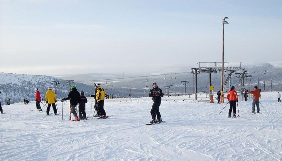 أشهر وجهات التّزلّج  فــي العالــم لعطلتكم!