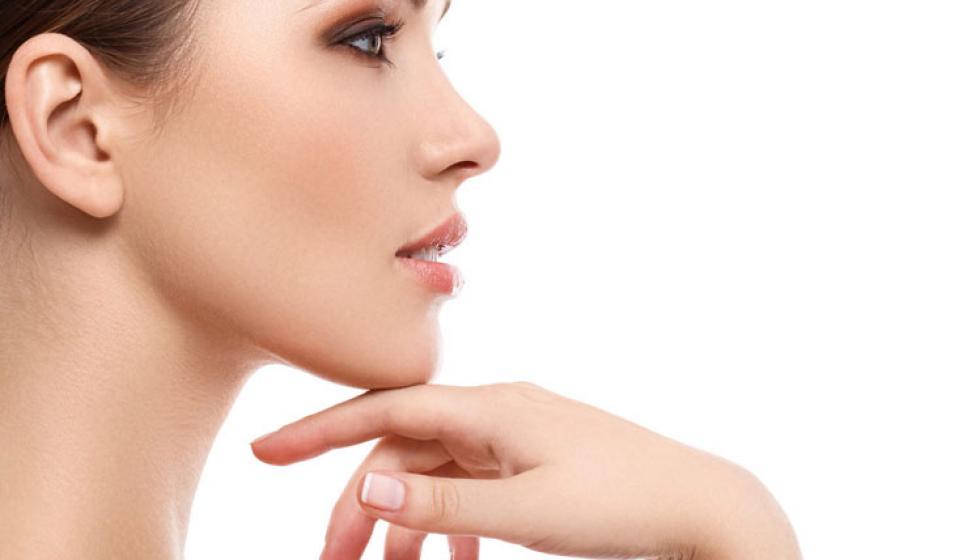 20 خطوة لتتألّق بشرتكِ جمالاً وصحّة