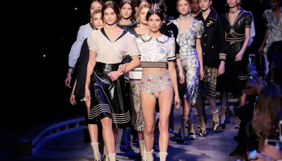 مجموعة أزياء مخصصة لذوي الاحتياجات الخاصة