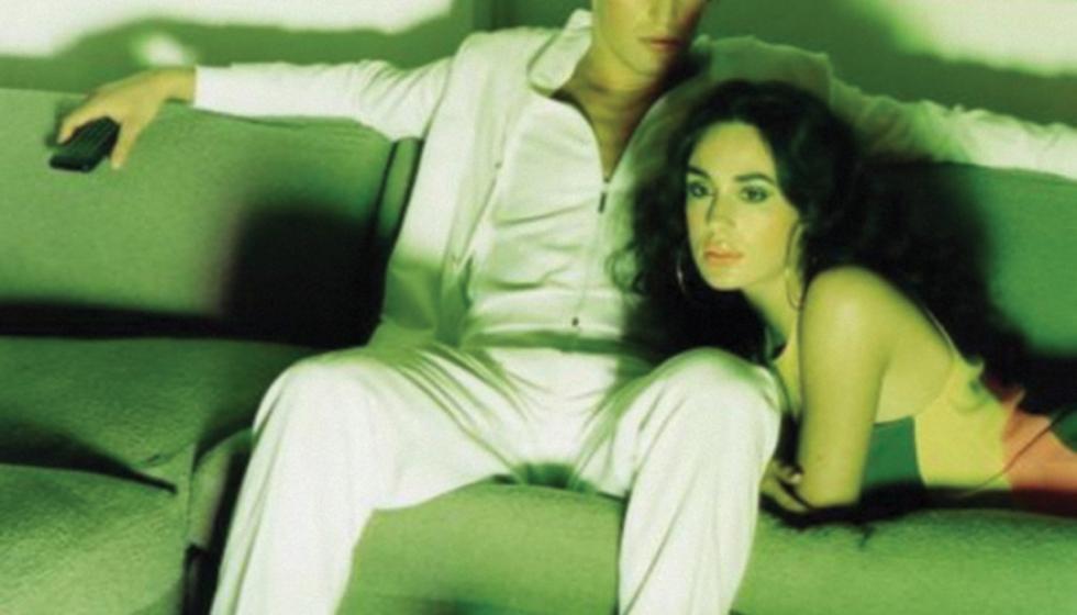 الأفلام الإباحية في الحياة الزوجية: حل أم مشكلة؟