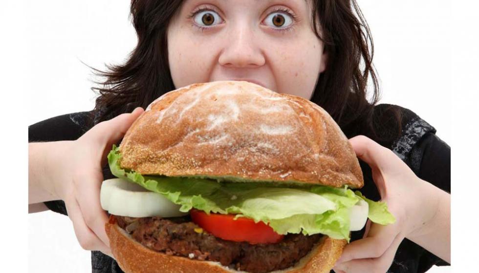 الإكثار من الطعام ليس السبب الوحيد لزيادة الوزن
