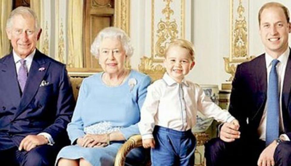 بريطانيا تحتفل بعيد الملكة اليزابيت التسعين