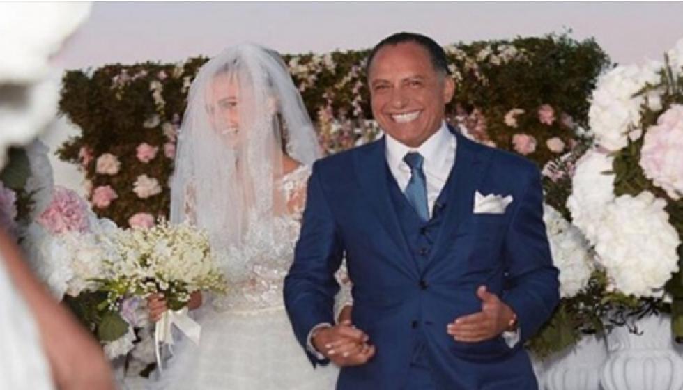 بيليونير مصري يتزوج حبيبة جاستن بيبر