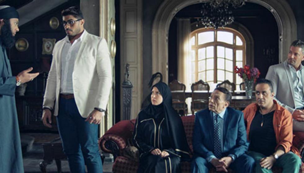 زوجة عادل إمام تطالبه بالطلاق !