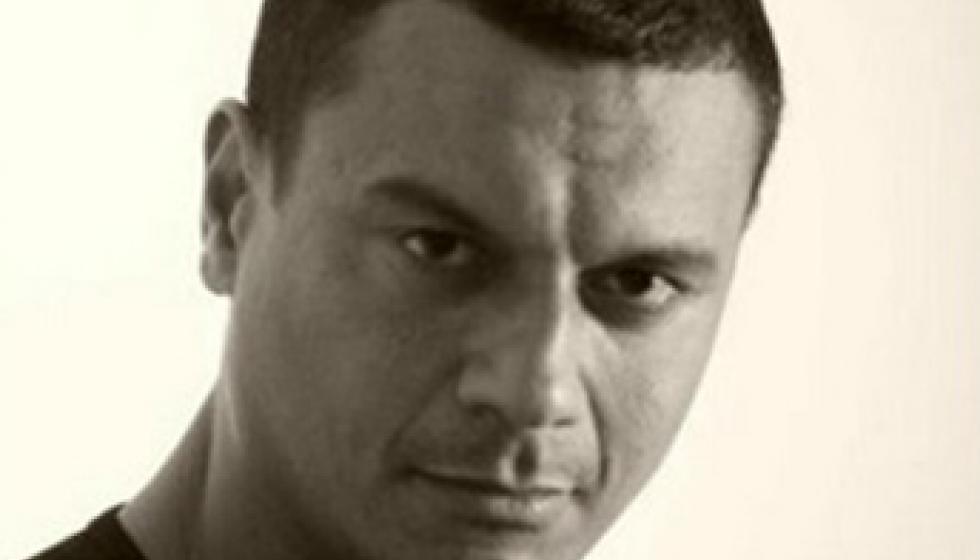 الجمهور والنقاد غاضبون من ابو الحسن بسبب زويل