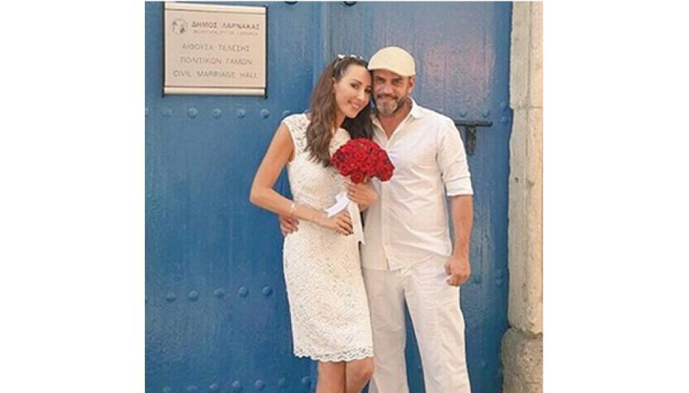 ورد الخال تعلن زواجها من قبرص