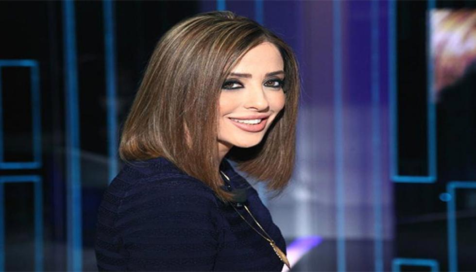 طلاق وفاء الكيلاني.. وهي متوارية ولا تجيب!!