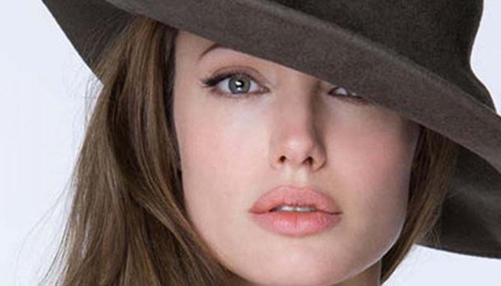 براد بيت وشقيق انجلينا جولي ينفيان شائعة موتها